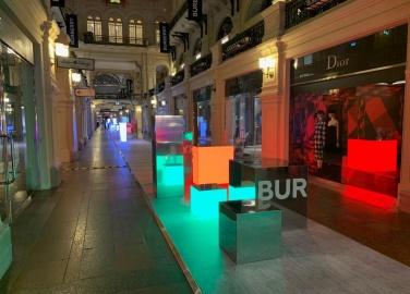 Инсталляции BURBERRY, ГУМ, Москва