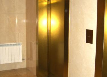 Лифт жилого дома